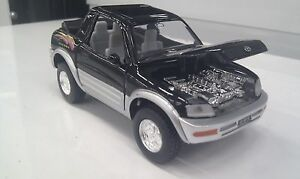 TOYOTA-RAV4-Cabriolet-NERO-KINSMART-auto-giocattolo-modello-1-32-Scala-Diecast