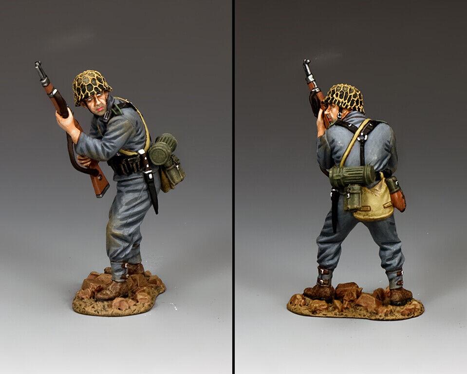 KING & COUNTRY WW2 GERMAN ARMY WH078 STANDING READY PANZER GRENADIER MIB
