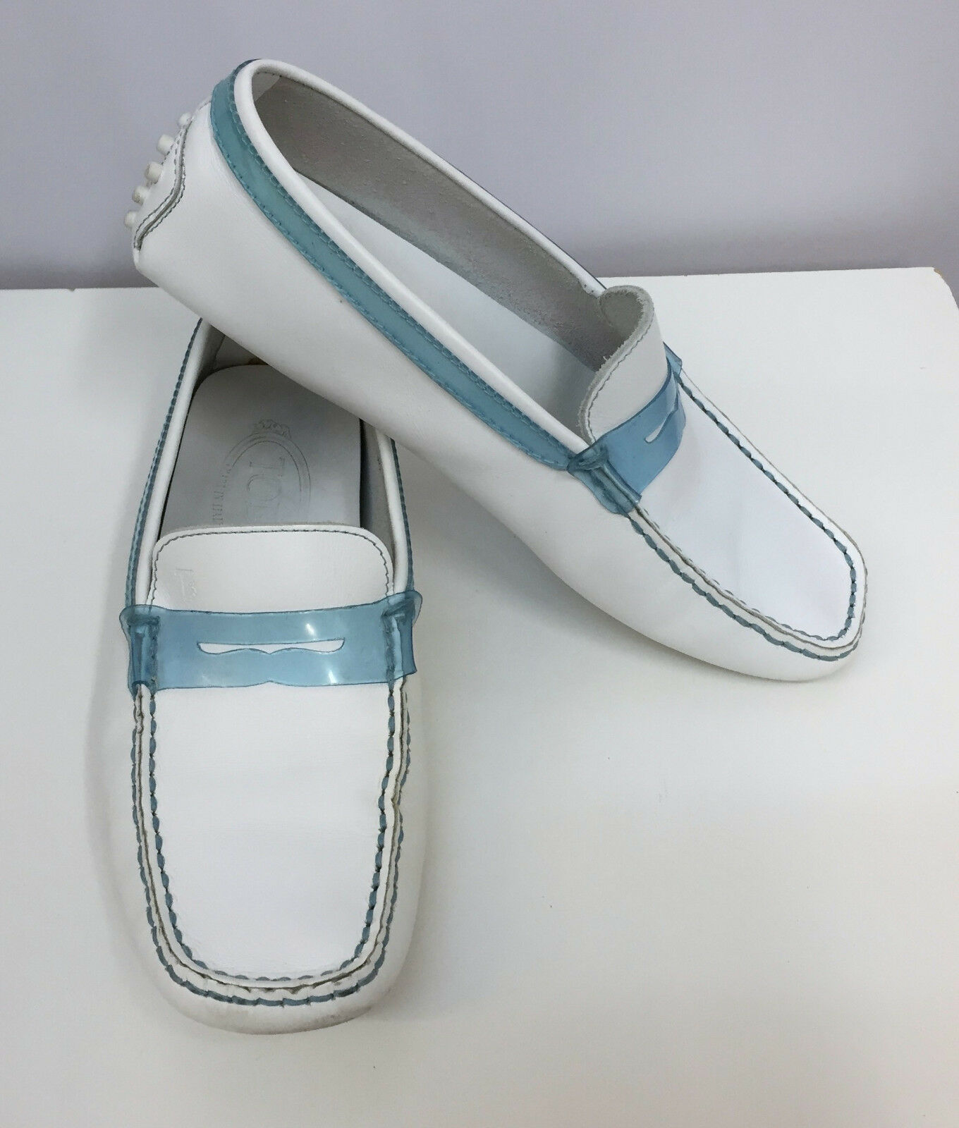 TOD'S LOAFERS SHOES DRIVING SHOES WHITE LEATHER BLUE PATENT LEATHER TRIM 5 1/2
