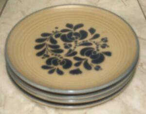 Lot-of-4-Pfaltzgraff-USA-Folk-Art-Dinner-Plates-10-034-Castle-Mark