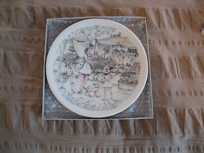 """A Mother/'s Day 1976 Plate /""""To Market/"""" by Haviland"""