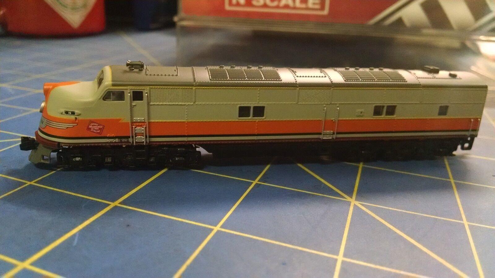 Broadway Limited importaciones 3021 EMD E6A, Milw 15B Locomotora Mid America napervil
