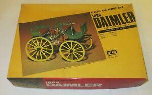 GAKKEN 1886 DAIMLER MOTOR CARRIAGE MODEL KIT   1:16
