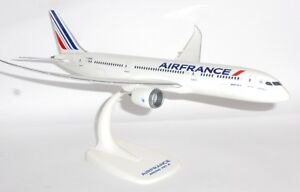 Air France Neu Herpa Snapfit 611565-1//200 Boeing 787-9 Dreamliner