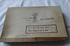 Vintage fly tying beginner 39 s kit cortland g w harvey for Beginner fly fishing kit