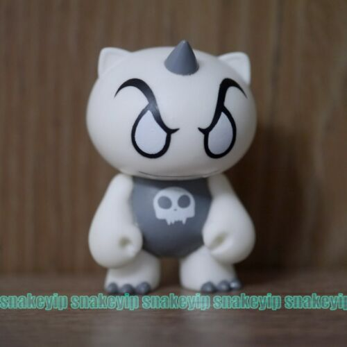 "Toy2R x Milk Magazine 2/""Qee Mini White Devil Vinyl Toy Kidrobot Bonus"