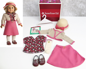 American-Girl-18-034-Doll-KIT-039-S-SCHOOL-SKIRT-SET-Hat-Shoes-Dress-Clothes-Outfit-NEW