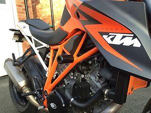 KTM-1290-SUPER-DUKE-R-2014-2018-CRASH-BOBBINS-PROTECTORS-SLIDERS-MUSHROOMS