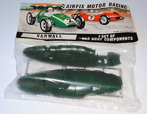 AIRFIX-MOTOR-RACING-1-SET-OF-VANWALL-CAR-BODY-COMPONENTS-1-32