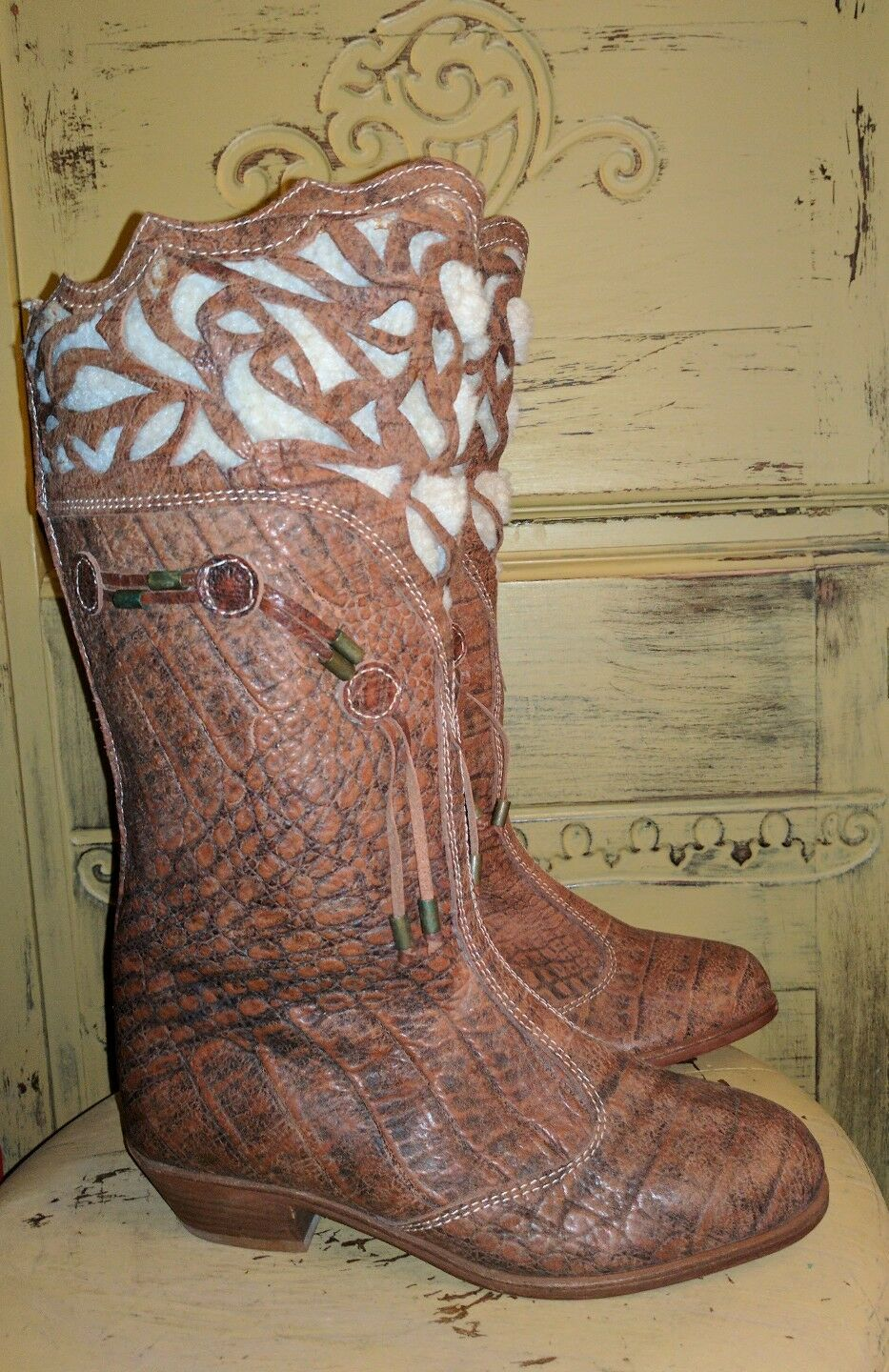 VINTAGE CORTI BOUTIQUE ITALY CROC EMBOSSED LEATHER RIDING BOOTS BROWN 38 7 M