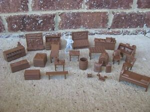 NEW-MARX-WESTERN-TOWN-FURNITURE-FARM-JAIL-SET-ACCESSORY-1-32-54MM-TOY-SOLDIER