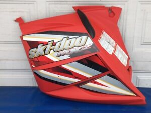 Skidoo-MXZ-600-800-Adrenaline-Renegade-500SS-REV-LH-Red-Side-Cover-Panel-2005-09