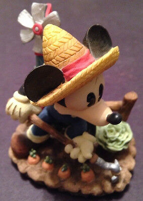 MICKEY & COMPAY BY ENESCO FARM CHARACTERS MICKIE PLANTING FARMING-NEW