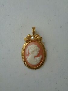 Gold Tone Bow Faux Pearl Pink + White Cameo Pendant Very Cute [