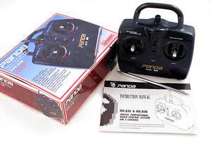 Construction d'un modèle de télécommande de radio à 2 canaux Vintage Panda Elite G2b Am 29mhz