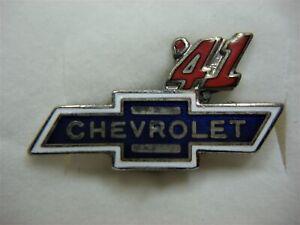 SCARCE-1941-CHEVROLET-DEALERS-LAPEL-PIN