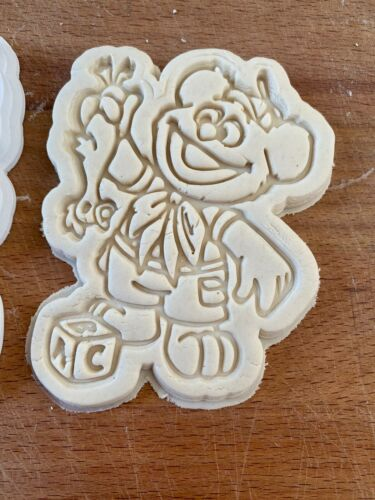 Details about  /Fozzie Bear 2pc Cookie Cutter Muppets