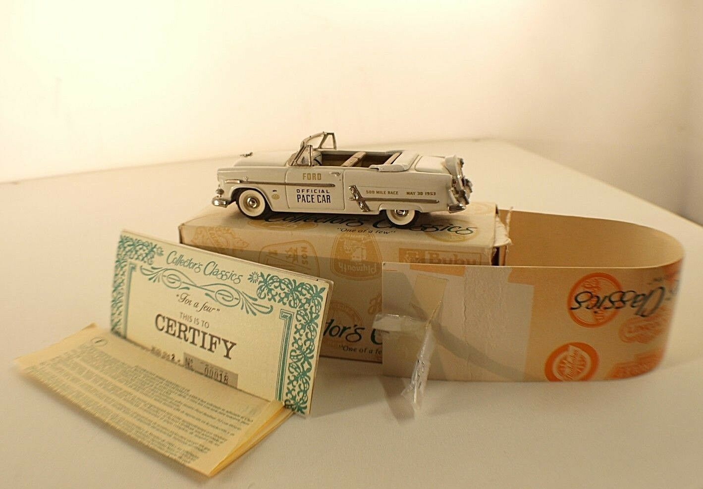 Collector's Modellll, C1 - 2 Stück Ford 1953 Pace voiture Nr. 2-0145 03400 1 43