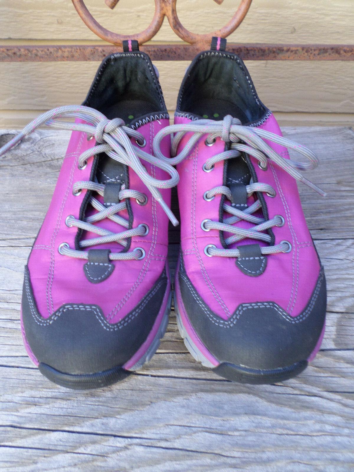 Clarks Wave Walk Purple Walking shoes Women's 8 M