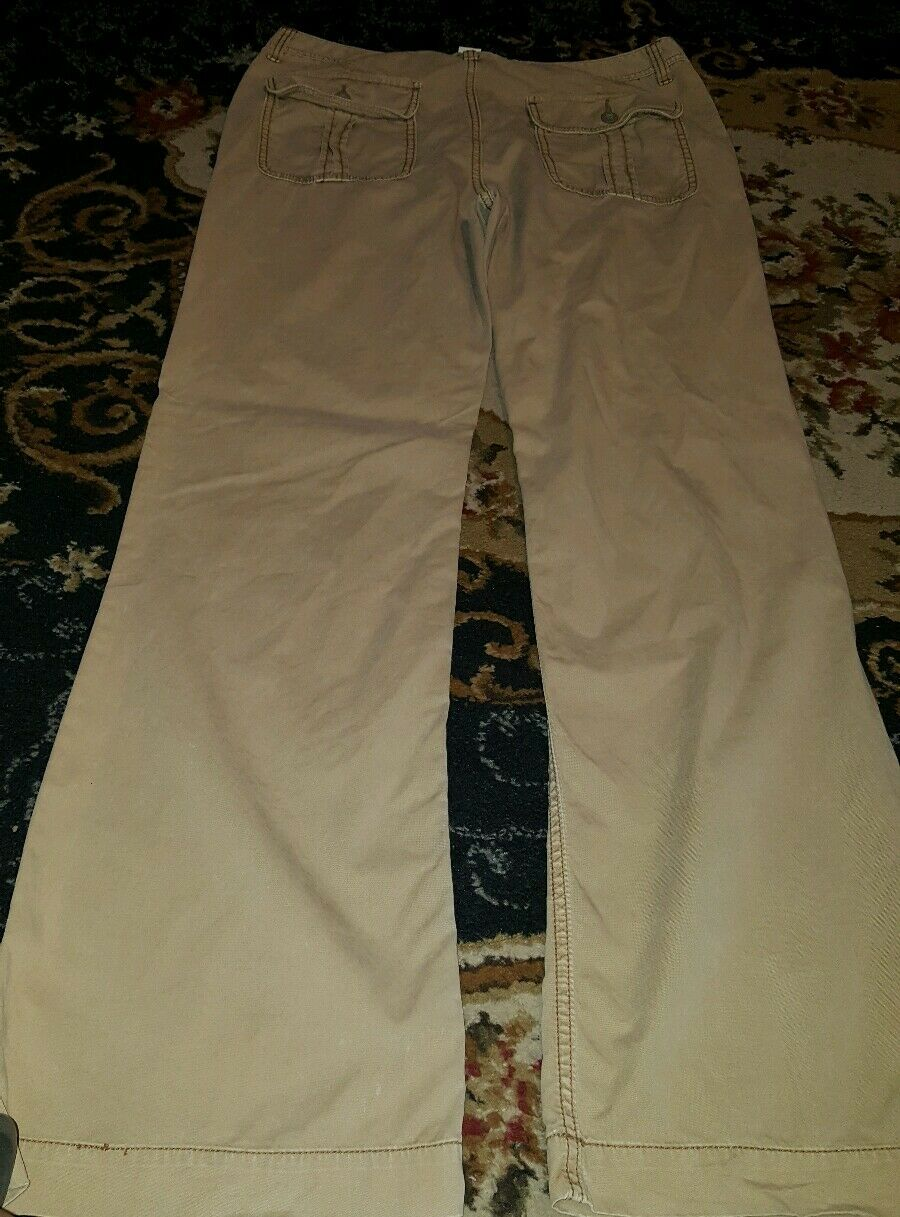 Ralph Lauren Polo Jeans Co. Size 12 x 32.5  Inseam. Beige Cargo Pants
