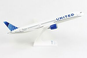 Skymarks-Model-United-Airlines-2019-Livery-Boeing-787-10-1-200-Scale-with-Stand