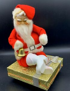 VINTAGE-Christmas-ELF-SANTA-CLAUS-Rudolph-Red-Nosed-Revolving-Music-Box-JAPAN