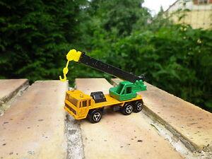 MAJORETTE-228-Camion-grue-SAVIEM-bon-etat-echelle-1-132-pas-de-boite