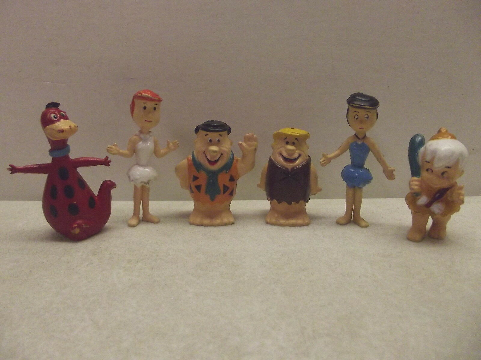 VINTAGE SET OF FLINTSTONES FIGURES PVC Frot WILMA BARNEY BETTY DINO BAMM BAMM