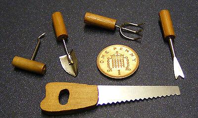 1:12 Maßstab 5 Garten Werkzeuge Kelle Säge Unkrautstecher Gabel & Sämaschine Angenehme SüßE
