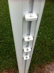 Football Goal Net Clips For Aluminium Goal Posts TwistFit White 60 per pack - <span itemprop='availableAtOrFrom'>wolverhampton, West Midlands, United Kingdom</span> - Football Goal Net Clips For Aluminium Goal Posts TwistFit White 60 per pack - wolverhampton, West Midlands, United Kingdom