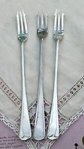 ANTIQUE-PICKLE-FORKS-x3-OLD-ENGLISH-GOLDSMITHS-SILVERSMITHS-FIRTH-STAYBRITE-EPNS