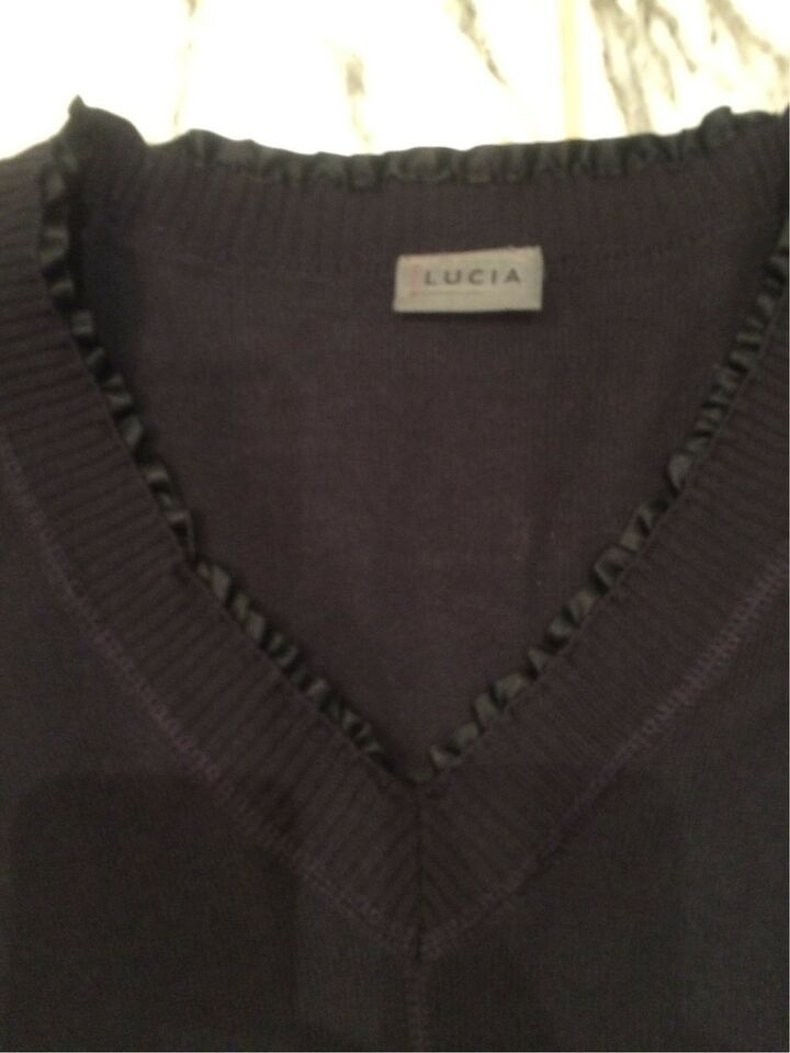 Sweater, Lucia, str. 40