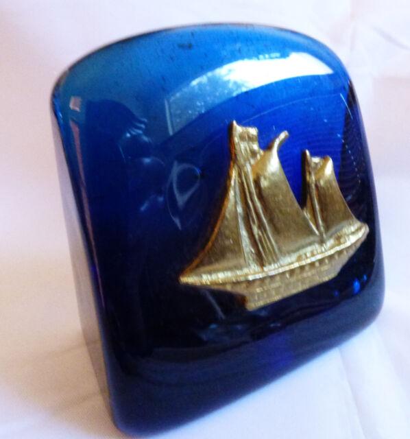 VTG Sweden Tanarpaia Xeipowoinon Blue art glass & brass metal Sail  Paperweit