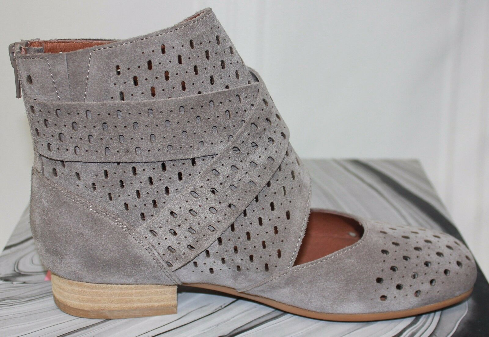 Jeffrey Campbell Almayo laser cut taupe suede zip up up up Stiefelies NEW 5562cf