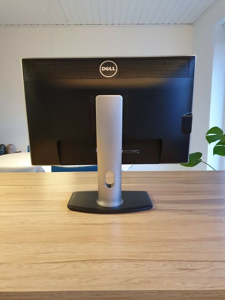 Dell, Ultrasharp U2412M, 24 tommer