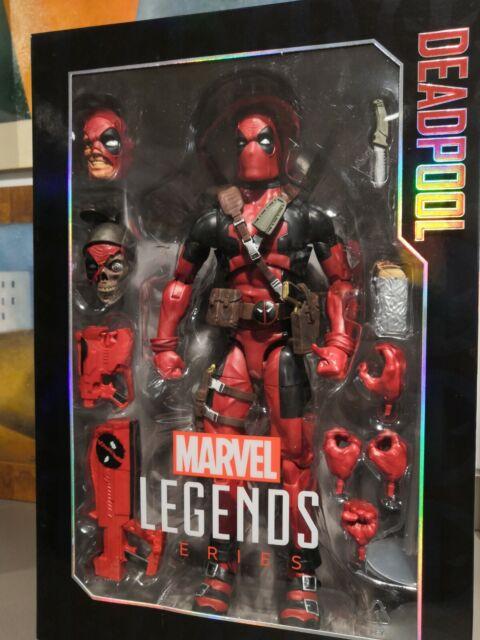 Marvel Legends Series Personaggio Deadpool da Collezione 30 cm di Hasbro C147