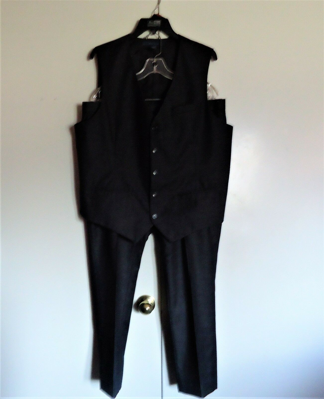 Perry Ellis Men's Charcoal Vest & Pants Suit Set XL & 36 28