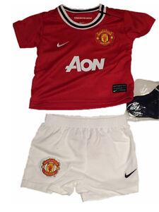 Nike-enfants-sport-set-MINIKIT-Manchester-united-nouveau-maillot-pantalon-chaussettes