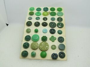Vintage-40-Green-Button-Lot-1940-039-s-60-039-s-Plastic-Shank-and-Holed-Buttons