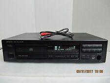 Onkyo DX-702 CD R1 Compact Disc Player  Digital & Analog Output