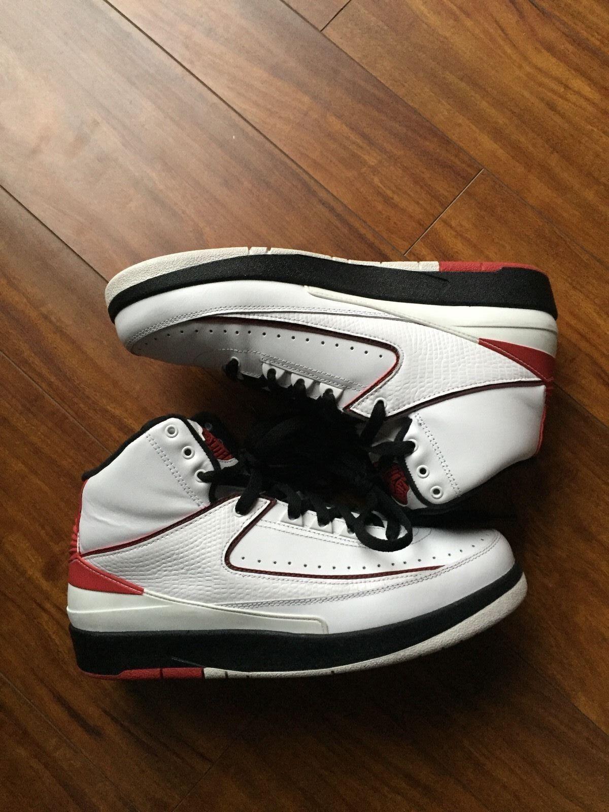 Jordan Retro 2 White/Black/Varsity Red Sz 9