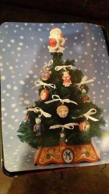 MUFFY VANDERBEAR CHRISTMAS TRIM-A-TREE KIT WITH Tin