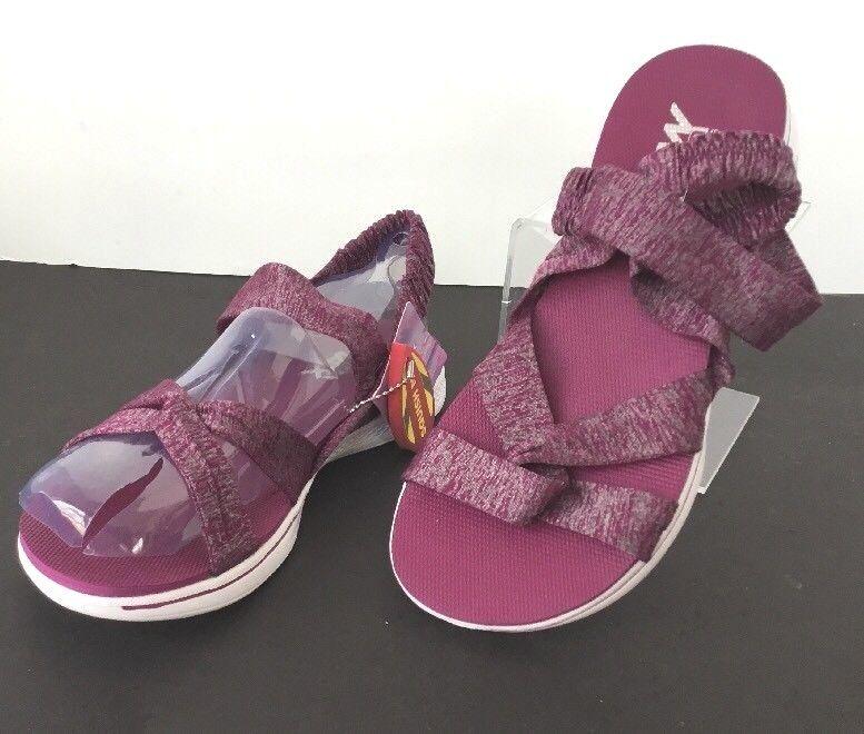 Skechers Goga Max Sandal Women 7M Flip