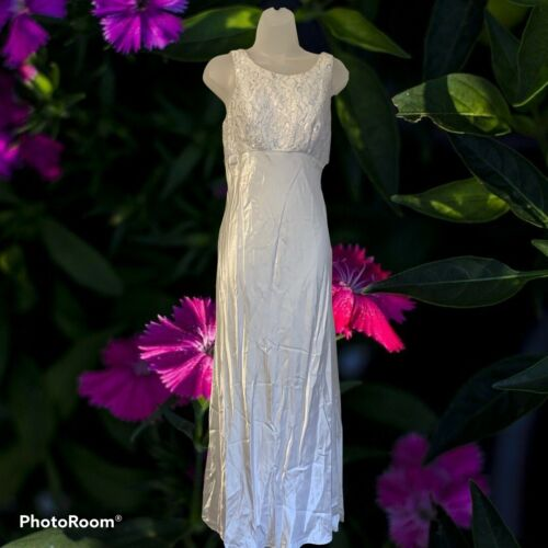 All That Jazz Formal Gown: Size 9/10
