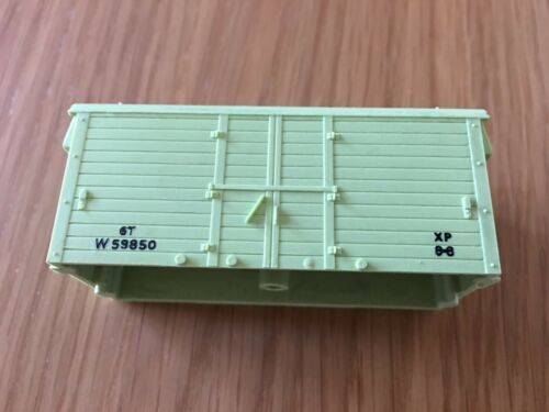 WRENN model railway THREE Refrigerator Wagon bodies in light green -REDUCED!!!!