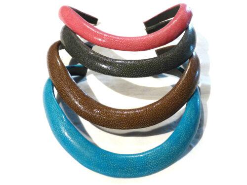 necklace Bijou tendance rare authentique collier torque galuchat rose Bleu..