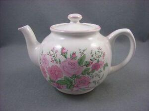 Boots-Rose-Garden-Teapot
