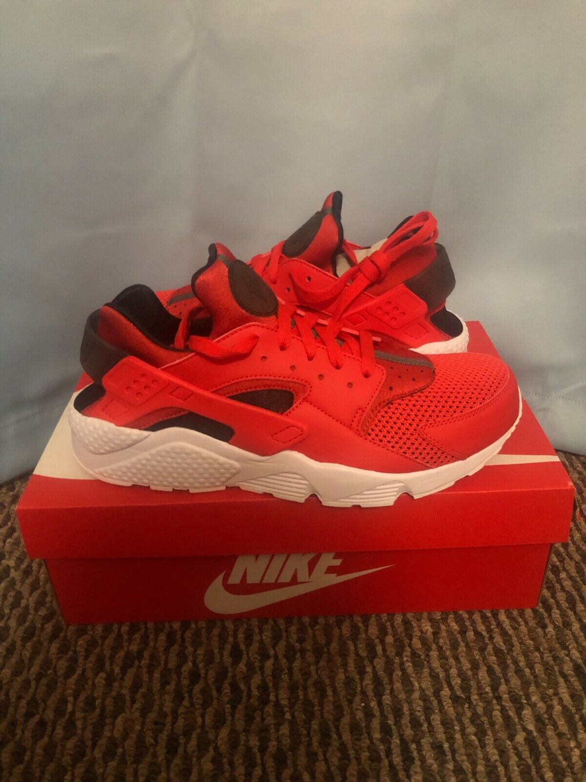 New Nike Air Huarache Run Red Black White Men's Size 12 Running shoes