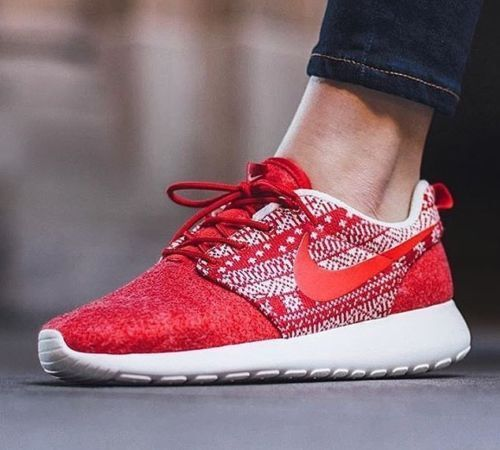 WMNS Nike Roshe One Winter Christmas Sweater Red Womens Running Shoes  685286-661 7 for sale online  e4e172be03