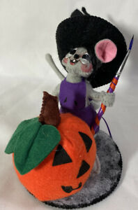 RARE-Annalee-Halloween-Doll-2006-WITCH-MOUSE-Painting-Pumpkin-4-034